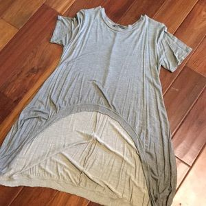 Boutique brand high low tee